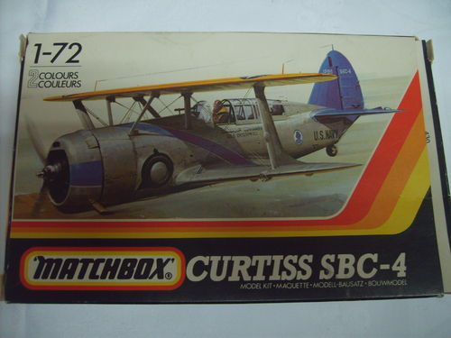 Matchbox Pk-35 Curtiss SBC-4 1:72